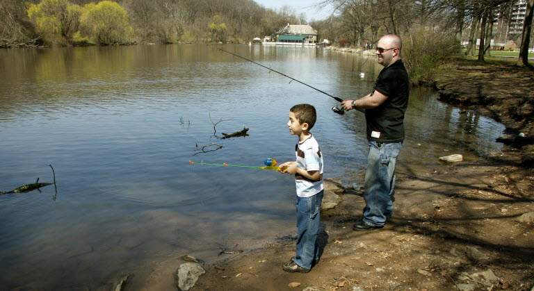 clove-lakes-park-fishing